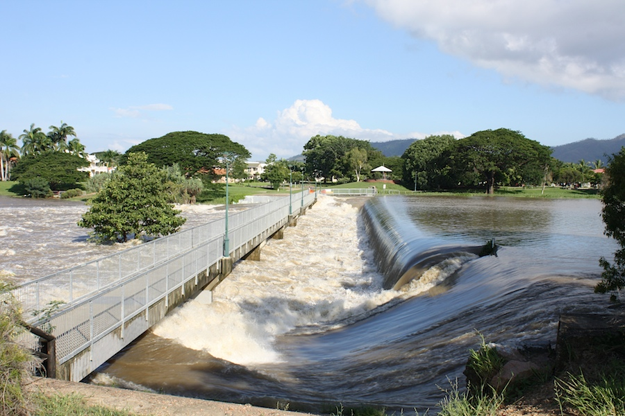 Aplin's Weir in flood