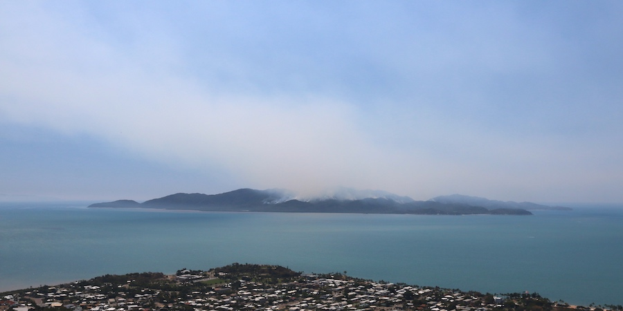 View over Kissing Point to Magnetic Island